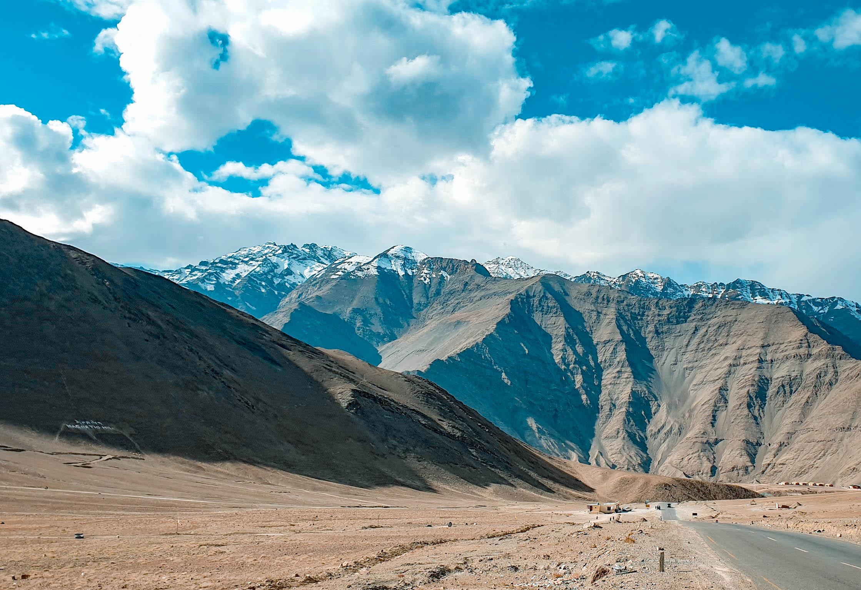 แมกเนติก ฮิลล์ (Magnetic Hill) ทัวร์เลห์ ลาดักห์ เที่ยวเลห์ ลาดักห์ Leh Ladakh Tour leh ladakh