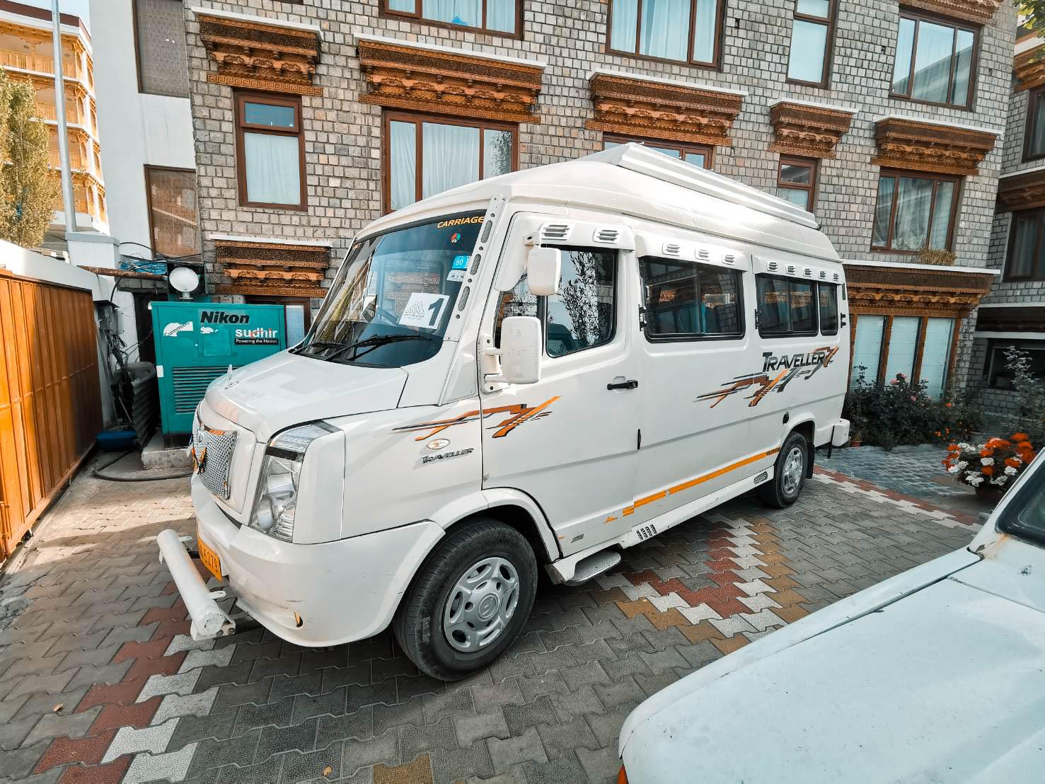 รถแวนเทมโป้ ทัวร์เลห์ ลาดักห์ เที่ยวเลห์ ลาดักห์ Leh Ladakh Tour leh ladakh